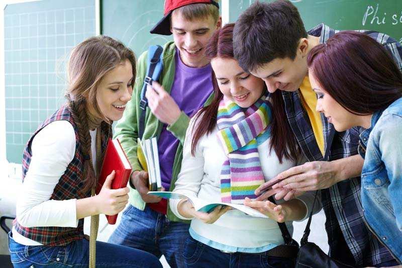 Οι μελετηροί μαθητές κάνουν κοπάνα από τα μαθήματα